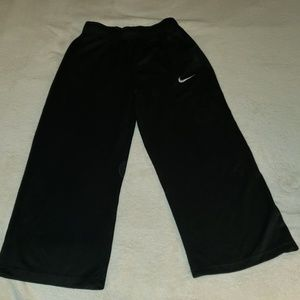 Boys Nike lightweight athletic pants